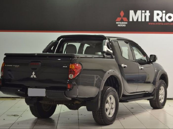 Foto 2: Mitsubishi L200 Triton 2015