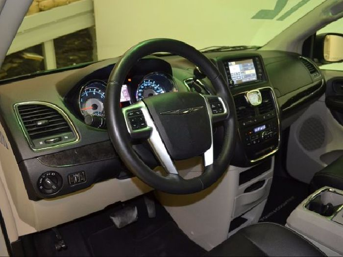 Foto 5: Chrysler Town & Country 2012