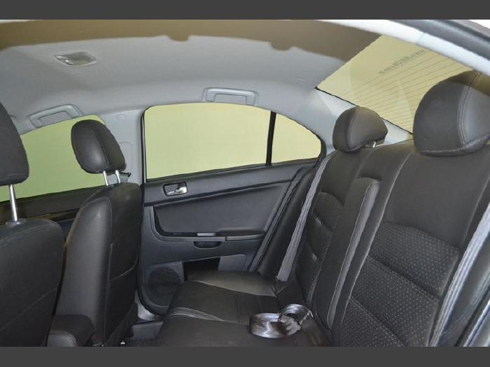 Foto 2: Mitsubishi Lancer 2014