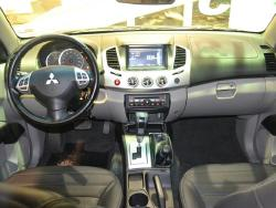 Foto 8: Mitsubishi L200 Triton 2015