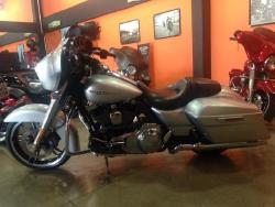 Foto 1: Harley-Davidson Street Glide 2014