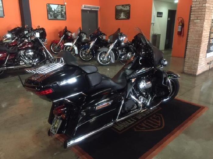 Foto 3: Harley-Davidson Street Glide 2014