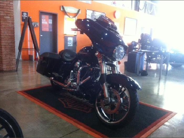Foto 5: Harley-Davidson Street Glide 2014