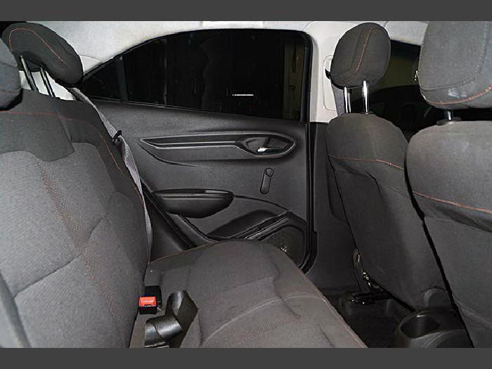 Foto 1: Chevrolet Onix 2015