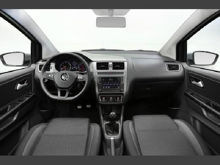 Foto 2: Volkswagen Fox 2018
