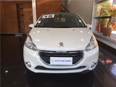Peugeot 208 2015 523843