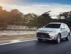 Foto 2: Mitsubishi Outlander 2020